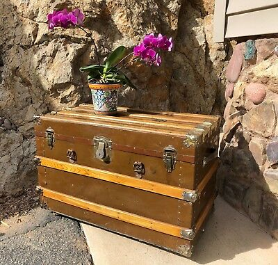 Vintage Eau Claire 1920s STEAMER TRUNK, good condition, $30 shipping