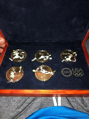 Disney Goofy 2004 Olympics Boxed Pin Set 5 LE 2000 Gold Pins