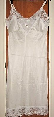 Vintage Sliperfection white nylon full slip w/ semi-sheer lace at bodice size 36