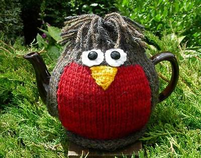 Hand Knitted Robin Tea Cosy – 100% Wool – for medium (4-6 cup) teapot