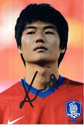 KI SUNG YUENG IN KOREA KIT HAND SIGNED 6 x 4 COLOUR PHOTOGRAPH