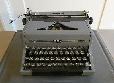 1949 Royal Quiet De Luxe Typewriter with Case and Key Designed by Henry Dreyfuss
