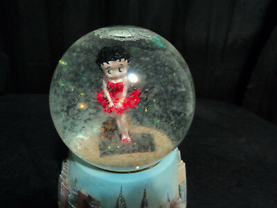 """Collectable  Betty Boop Snow Globe """" I Wanna Be Loved By You"""" Music Box"""