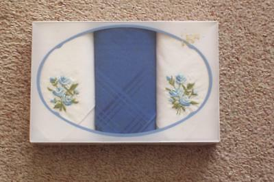 VINTAGE BOXED HANDKERCHIEF x 3 - Blue & white with embroidered blue flowers