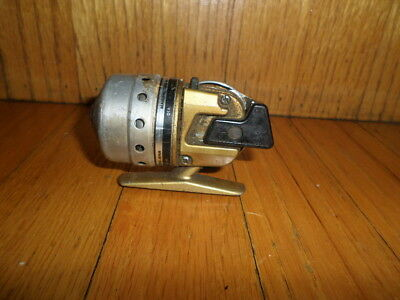 Vintage Daiwa Minicast Gold Japan Spincasting reel Fishing Reel