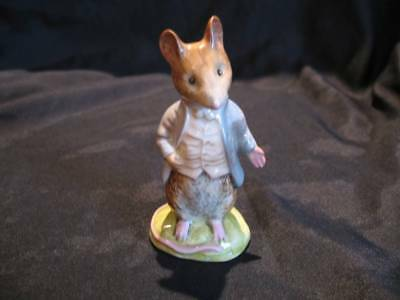 GOLD OVAL BEATRIX POTTER FIGURINE BESWICK Johnny Town Mouse
