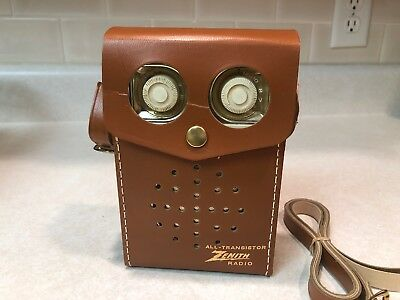 VINTAGE ZENITH ROYAL 500D Deluxe Transistor Radio OWL with Case