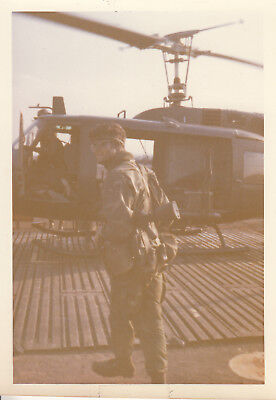 Orig Snapshot Photo 325th AIR 82nd AIRBORNE DIVISION 1971 & HUEY HELICOPTER 7