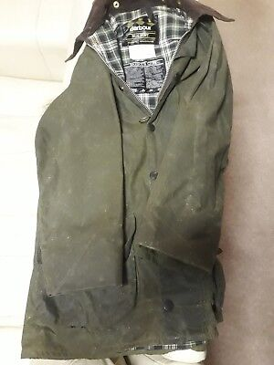 Men's BARBOUR Classic Beaufort Olive Green Waxed Cotton Jacket C38 97CM