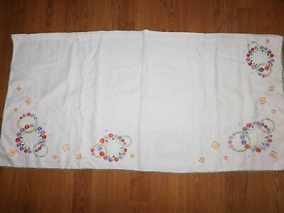 """Vintage Tablecloth  Lazy Daisy Embroidred Tablecloth ~48 1/2"""" X 50""""~"""