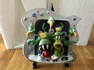 Marvin The Martian and Crew 3-D Plate/Plaque Masterpiece Series Looney Tunes