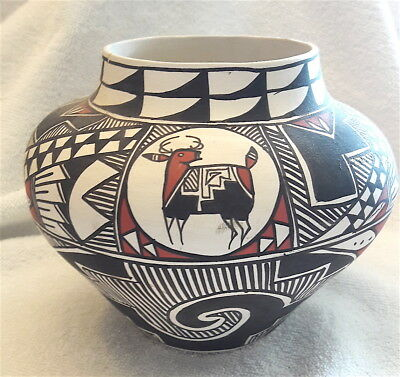 Native American Pottery Acoma Pueblo By Noted Artist Leland Vallo