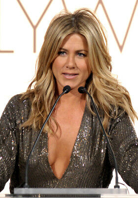 Jennifer Aniston On The Microphone 8x10 Photo Picture Print