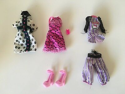 Mattel Monster High Clothing, Shoes & Accessories as pictured.