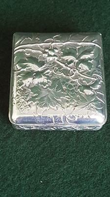 Antique 1900s Swiss 900 Silver Achef Trinket/Snuff Box w Repousse Grape & Vine