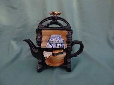 Paul Cardew Designs Novelty Teapot, The Mangle, Large