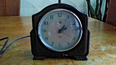 SMITHS SECTRIC electric 1950 Mantle Clock with alarm excellent condition