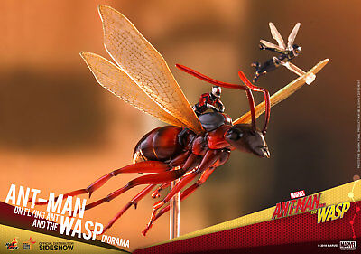 Ant-Man on Flying Ant & the Wasp MMS Diorama Action Figures Hot Toys Sideshow