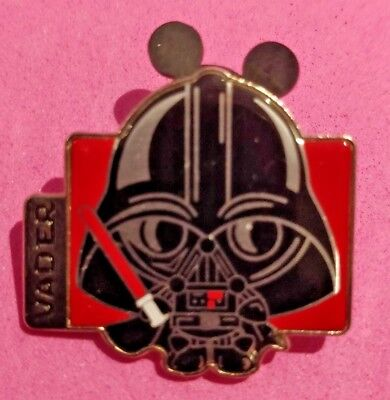 .Disney trade pin Star wars little darth vader (I COMBINE THE P&P)7