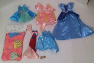 Lot of Doll Clothes, Dresses, Sleeping Bag, Barbie, other Dolls, Dress Up Fun