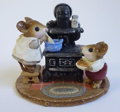 Wee Forest Folk THE OLD BLACK STOVE Miniature Figurine MICE M-185 Mouse
