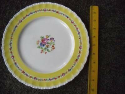 "Grindley English China The Elmfield Dinner Plate 10"" Yellow Floral Scalloped"