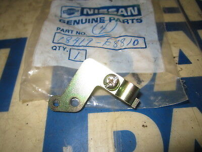 Datsun 9.71-9.72 240z NOS Rear Choke Cable Clamp 18419-E8810
