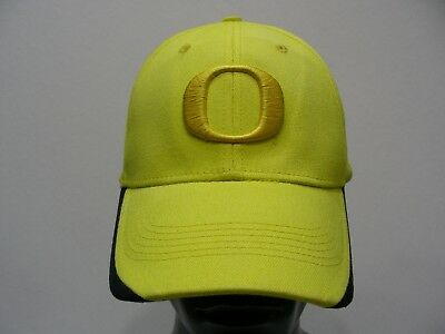 Oregon Ducks - Livestrong - Nike - One Size Stretch Fit Ball Cap Hat! 453cd3fd4c7e