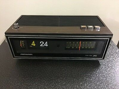 Vintage Soundesign Alarm Clock Radio W/ Flip Numbers Model 3480 Works Great