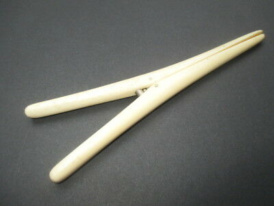 Antique Glove Stretcher Cream Celluloid With Striations To Imitate Real Cow Bone