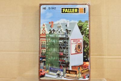 FALLER B-942 HO SCALE TOWN HOUSE BUILDING with SCAFFOLDING SITE MODEL KIT nq