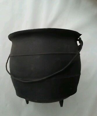 Vintage # 7 R P Cast Iron 3 Leg Banded Bean Pot, gypsy, Cauldron with Gate Mark