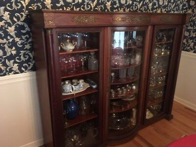 Victorian Mahogany Triple Curved Glass Door China Cabinet with Ormolu