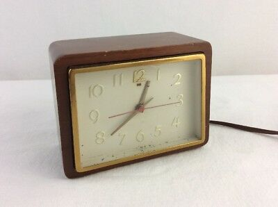 Mid Century Vintage General Electric Clock # 3H182 Wood Case Brass Working NICE