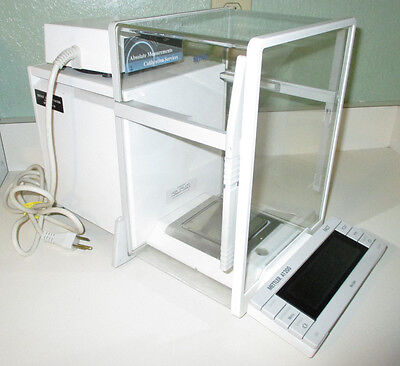 Mettler Toledo AT 200 / AT200 Digital Laboratory Scale / Analytical Balance