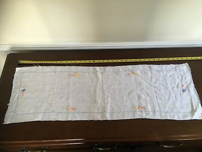 Vintage Embroidered Linen Table Runner Unused and Unlaudered