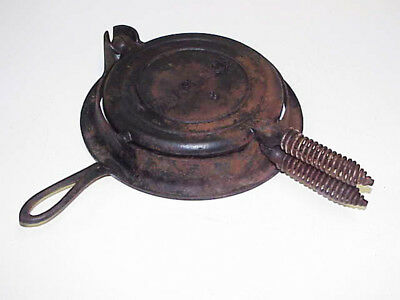 Shapleigh #8 Cast Iron Waffle Cooker Maker Stove Top or Fire Pit