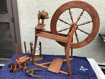 """Ashford Traditional 22"""" Spinning Wheel - Beautiful Condition & a few extras too!"""