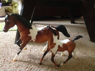 Breyer Traditional model horse mare and goal set LIMITED EDITION HOLIDAY SPECIAL