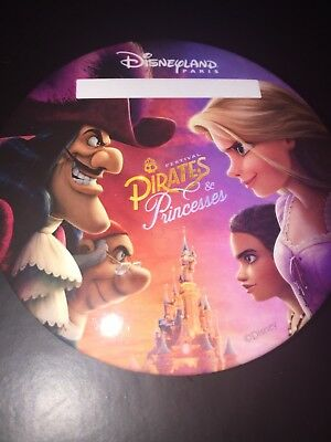 Badge Disney Princesses & Pirates Édition Limitée 75 mm De Diamètre.