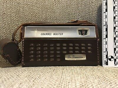 Vintage Channel Master Transistor Handheld AM Radio with Case