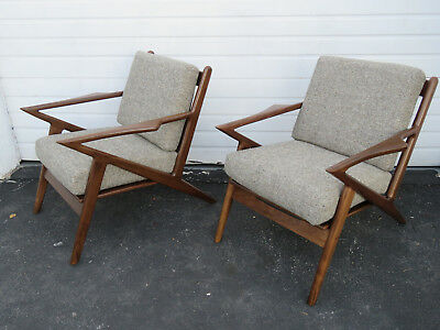 Retro Vintage Mid Century Style Pair of Living Bed Room  Lounge Z Chairs 9420