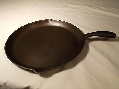 Wagner Ware Cast Iron Pan 1099 A Vintage HTF Rare Shallow Skillet Cleaned