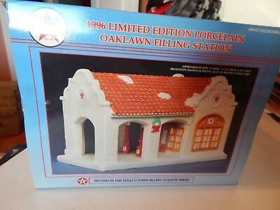 Texaco - 1996 Limited Edition Porcelain Oaklawn Filling Station