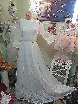 Vintage 1960s Simple Elegance Bridal Gown sz 10 60s Twiggy Chiffon Overlay
