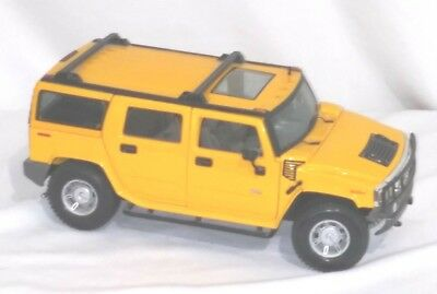 Diecast Car  HUMMER  H2  SUV  1:18 Scale  Maisto  MINT Beautiful