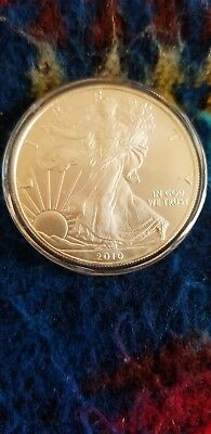 2010 American Silver Eagle coin - 1oz .999 Fine Silver  - Brillant Uncirculated