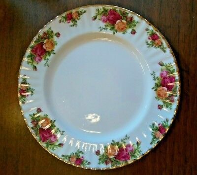 """Royal Albert Old Country Roses England ©1962 10 1/2"""" dinner plate 9 available"""