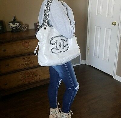 NWT! Authentic CHANEL CC 31 Rue Cambon Lambskin Leather  Purse Tote/Shoulder Bag
