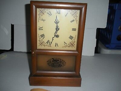 """8 Day Wind Up Three Mountaineers Wood Clock With Key & Booklet 11"""" X 6"""""""